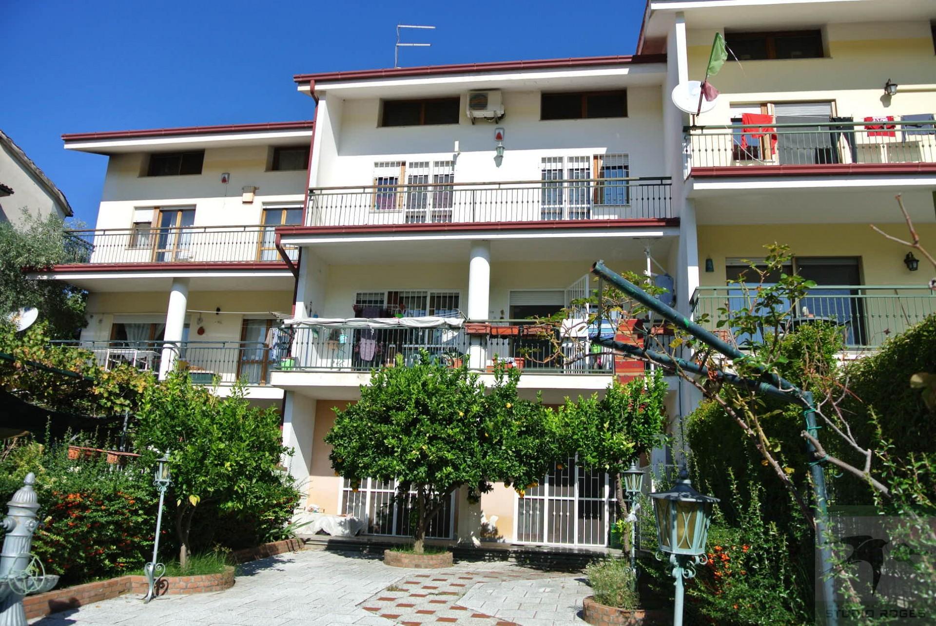 Villa in Vendita 300,00 mq - N. camere: 5 - - Mendicino - C.da Rosario (CS)