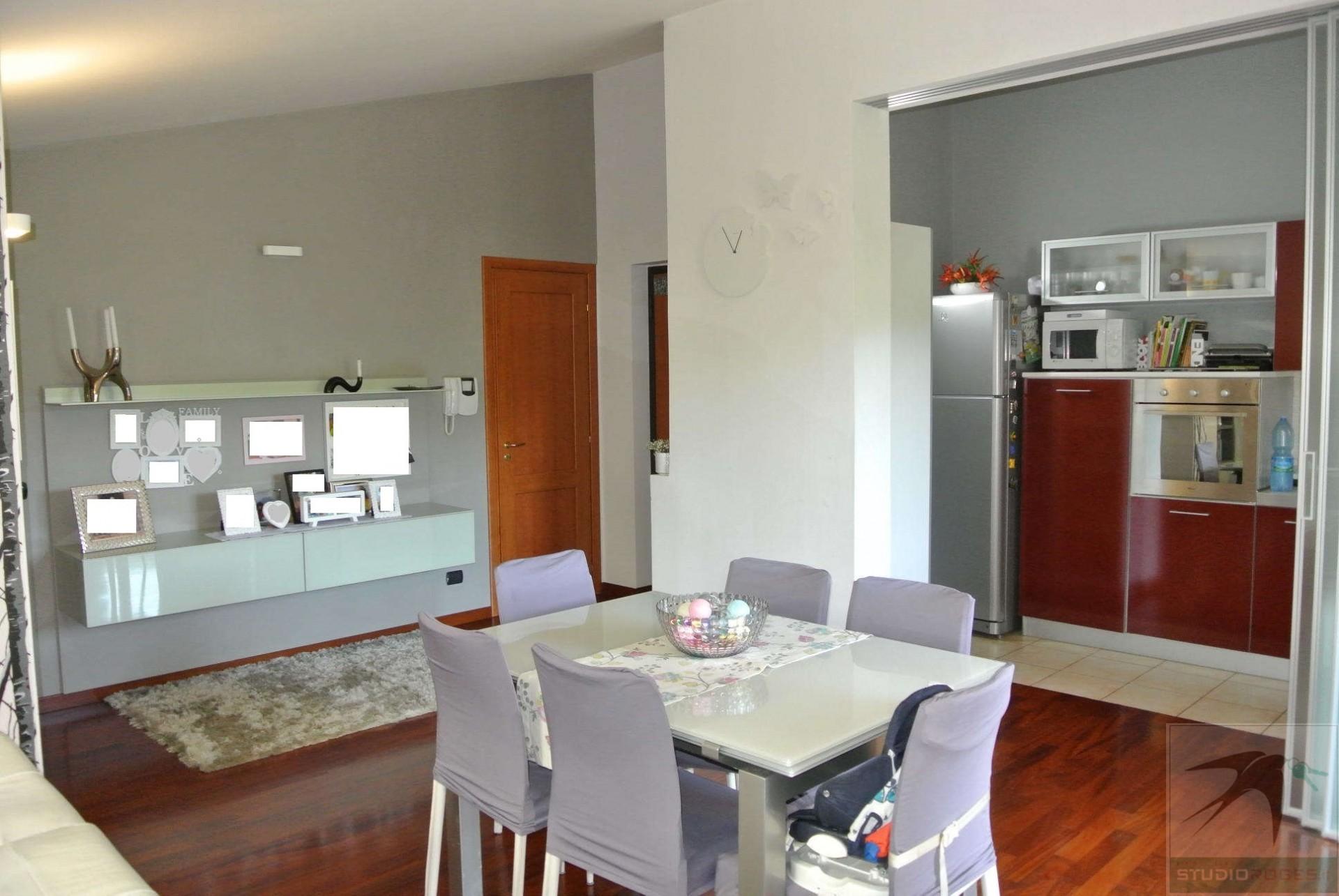 Appartamento in Vendita  - N. camere: 3 - - Rende - Saporito-Surdo-Malvitani (CS)