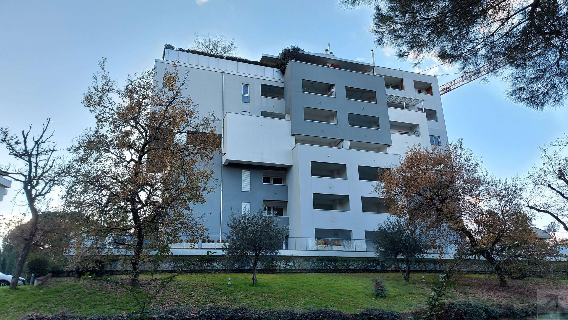 Appartamento in Vendita 222,00 mq - N. camere: 4 - - Rende - Roges-Commenda (CS)