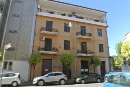 Codice annuncio: Magazzino-garage-capannone Cosenza6320 - 1