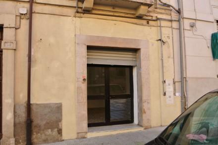 Codice annuncio: Magazzino-garage-capannone Cosenza119 - 1