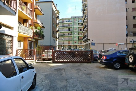 Magazzino-capannone-garage in Vendita