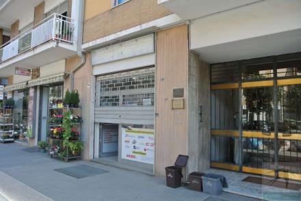 Codice annuncio: Magazzino-garage-capannone Cosenza9319 - 1