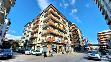 Codice annuncio: Magazzino-garage-capannone Cosenza11418 - 1